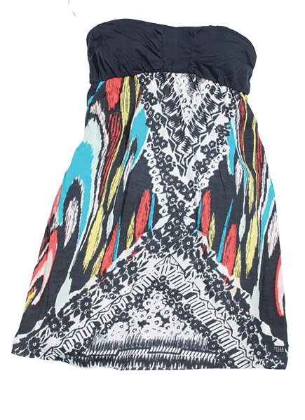 Wear this Billabong cover up solo or dress it up with a cardigan.