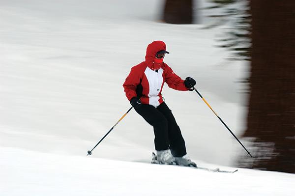 skiingoldpeople