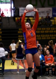 Lyndie with sets for Lacy during a state semifinal match. Photo by Shane Marshall
