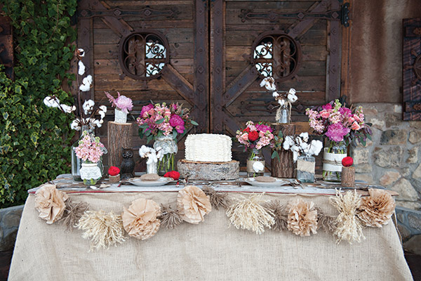 Wadley Farms is the definition of rustic romance. And that rope pom pom banner is all kinds of refreshing. (No offense, triangle banners.)