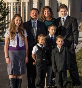 Sergei and Jennifer Dengin live in Payson with their five children. (Photo courtesy Jennifer Dengin)