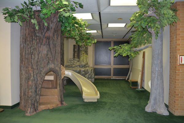 A children's play area helps kids learn about habitats. (Photo by Rebecca Lane)