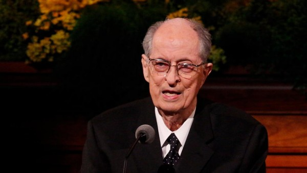 Elder Hales speaks during General Conference. (Photo courtesy Mormon Newsroom.)