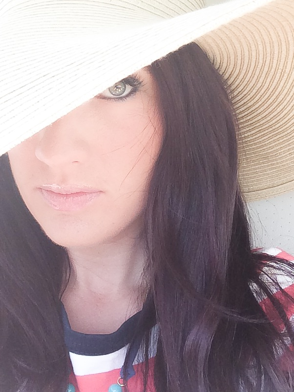 Good selfies can be tricky. Here, professional photographer and selfie pro McKenzie Deakins shares her tips for taking a stunning selfie.