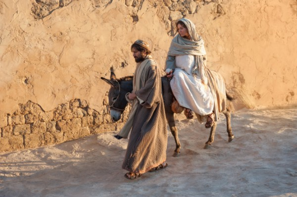 mary-joseph-journey-to-bethlehem-958711-gallery