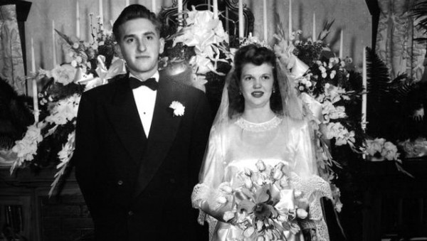 President Monson with his wife, Frances, on their wedding day. (Photo courtesy Mormon Newsroom.)