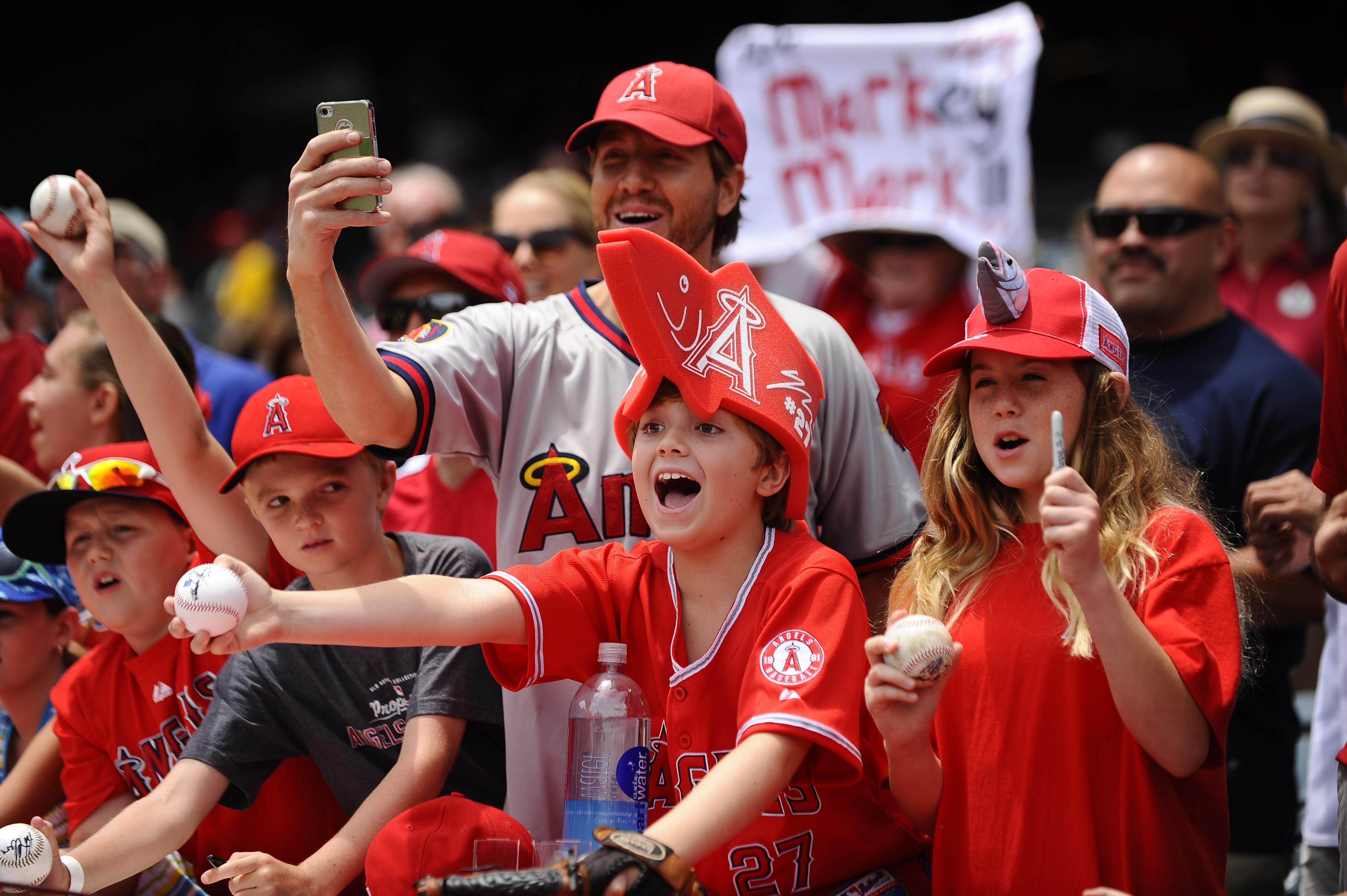 Young fans get into the action at Angel Stadium. (Photo courtesy of Angels Baseball)