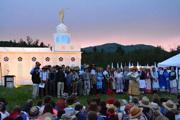 About 140 youth and 70 leaders in the Cedar Hills West Stake helped construct a mini replica of the Nauvoo Temple on their trek last week. Following the construction, they had a celebration including musical numbers and dancing. (Photo by Matt Bennett)