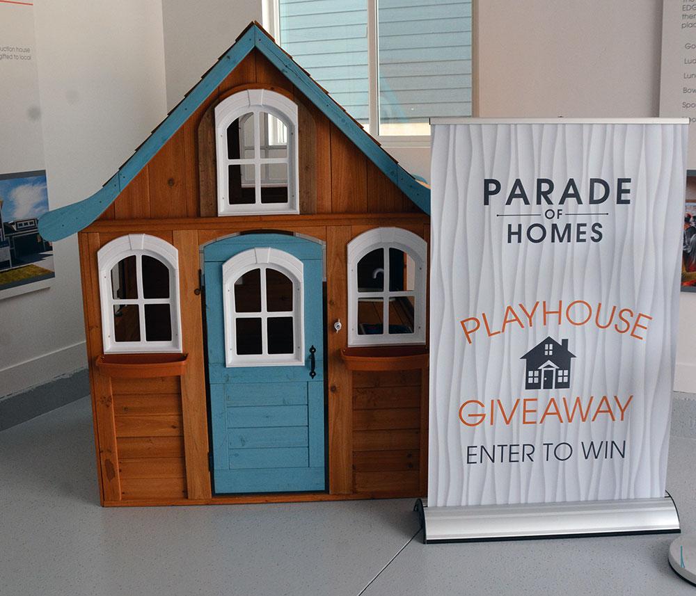 UV-Parade-Playhouse-