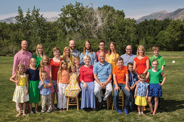 Robert and Shauna Valentine's extended family — 5 kids and 13 grandkids — all in the same place at the same time ... is one of Shauna's significant accomplishments.