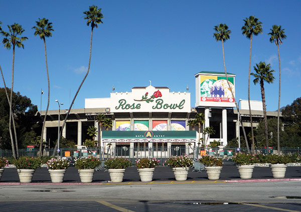 The Granddaddy The Rose Bowl has been a national icon since 1922. The Cougars will play UCLA in the Rose Bowl on Saturday, Sept. 19, 2015.