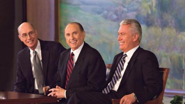 President Thomas S. Monson, center, addresses the press with his counselors President Henry B. Eyring, left, and President Dieter F. Uchtdorf, right. (Photo courtesy Mormon Newsroom.)