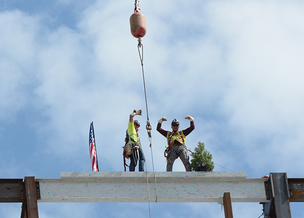 Beam finished, Utah Valley Hospital, final beam
