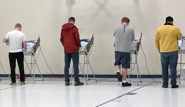 Provo residents vote at Spring Creek Elementary school in Provo on Nov. 8, 2016. (Photo by UV360)