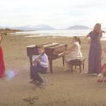 Utah-Tube: Jenny Oaks Baker and Family Four celebrate Memorial Day with national anthem